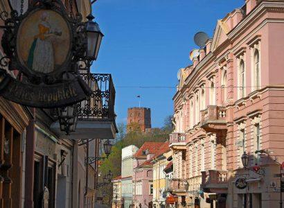 ברחוב הוורוד ליטא