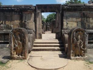 מקדש עתיק בסרי לנקה