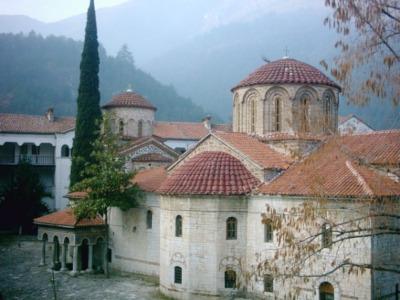 מנזר בשקובו
