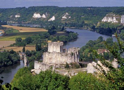 נהר וטירה נורמנדי