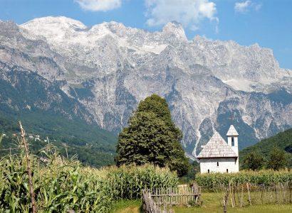 כנסייב בכפר בהרי פרוקלטיה באלבניה