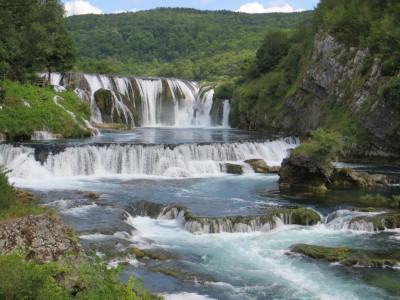 מפל מים בבוסניה